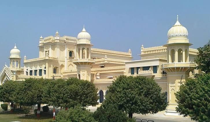 مدرسہ کا قیام مسجد میں